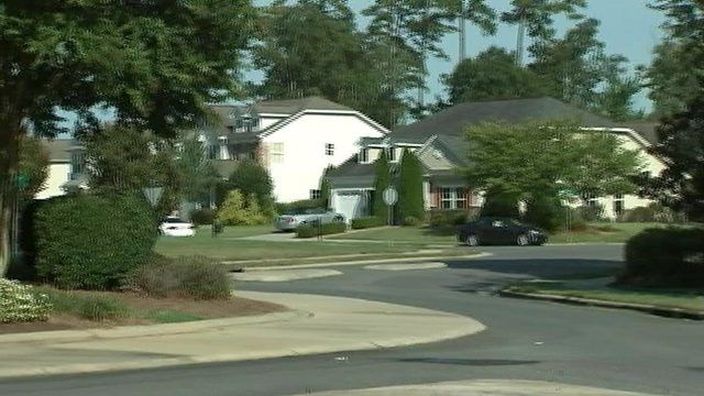 Deputies seek armed teen who held up boy's lemonade stand