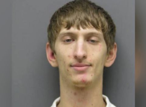 Virginia dad throws 2-year-old son into creek while fleeing police