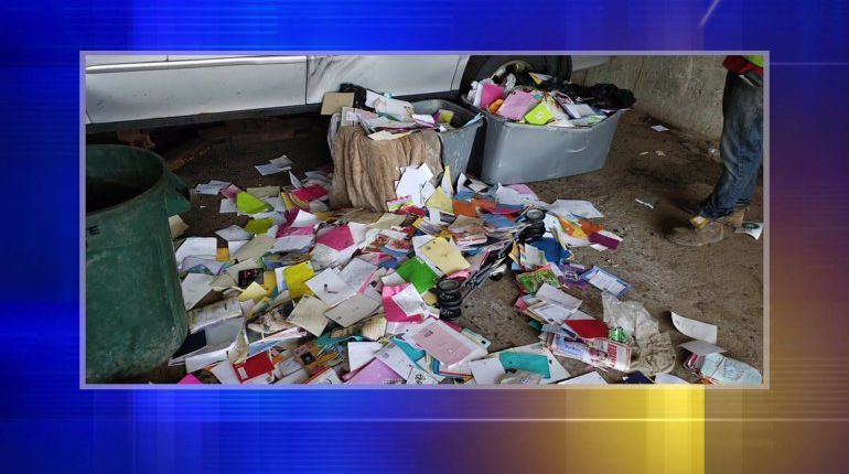 USPS worker accused of stealing more than 6,000 greeting cards